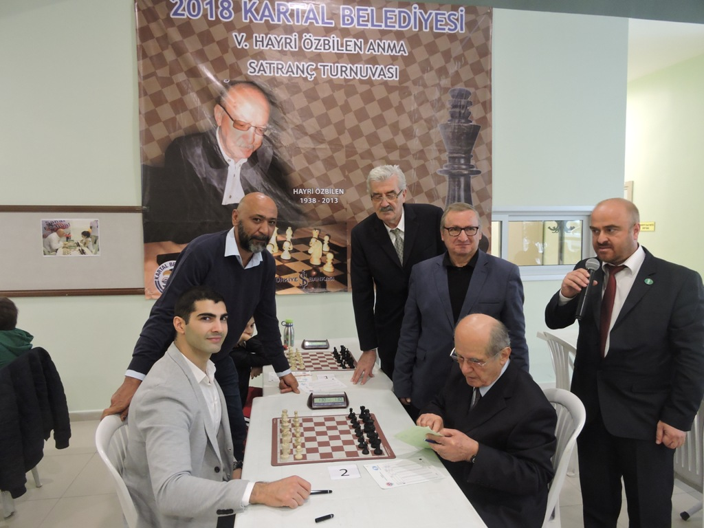 Hayri Özbilen Anma Satranç Turnuvası Başladı
